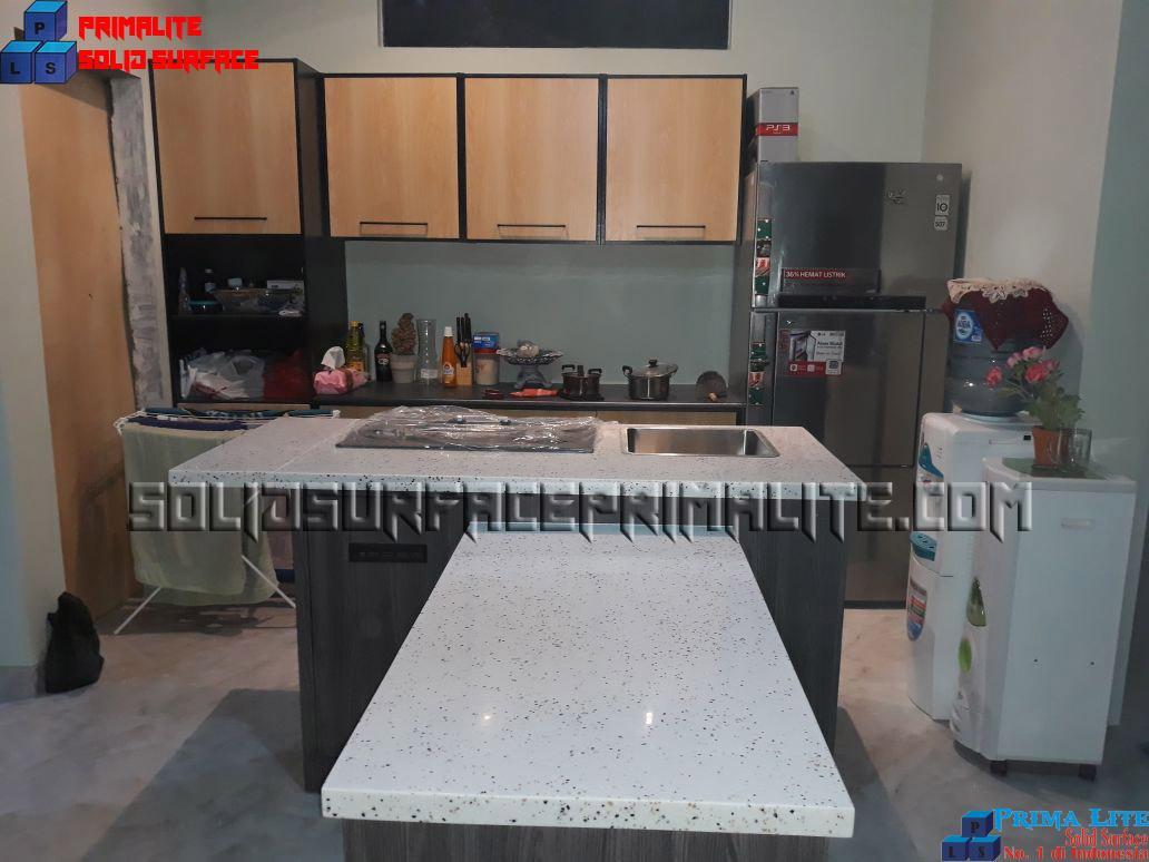 solid surface kitchen set
